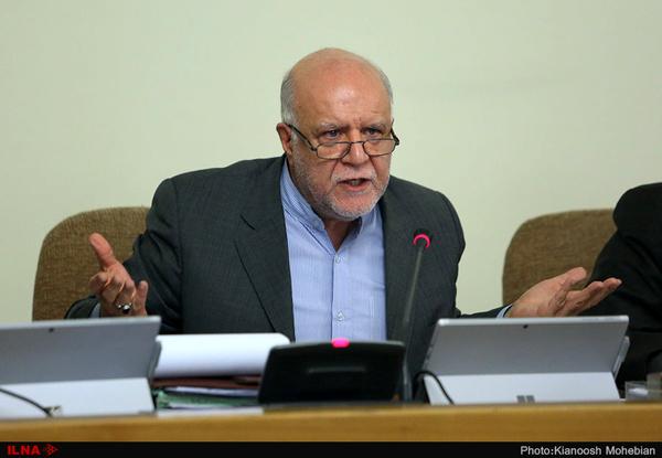 وزارت نفت برای شکستن تحریمها شبانه روز تلاش میکند/ فشار امریکا برای تحریم فراوردههای نفتی ایران بیشتر از نفت خام است