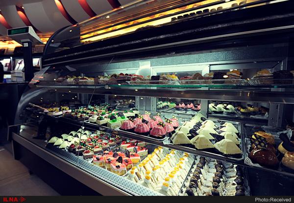 افزایشی در قیمت شیرینی نخواهیم داشت/ پیشبینی کاهش ۳۰ درصدی تقاضا در بازار/ با گرانفروشان برخورد میکنیم