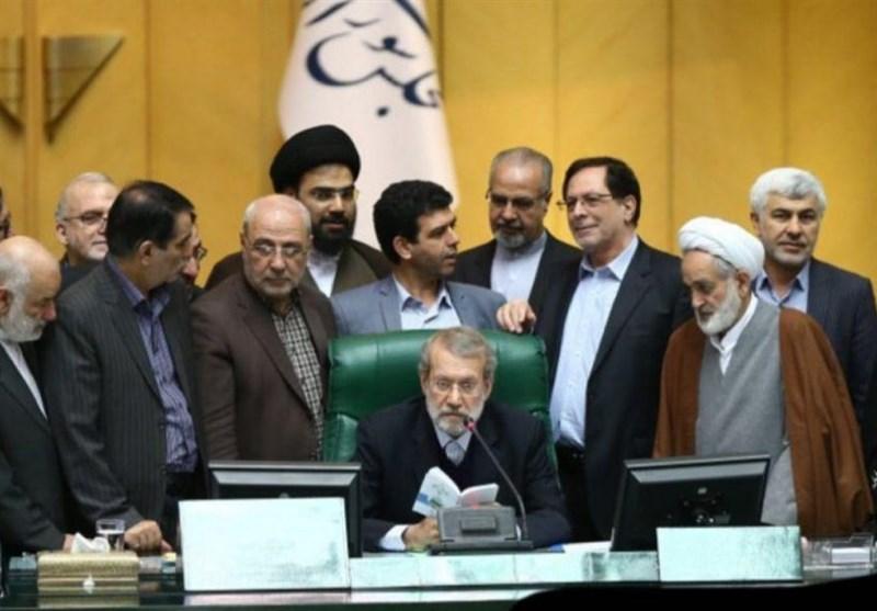نتیجه جلسه نمایندگان مستعفی اصفهان با لاریجانی + جزئیات