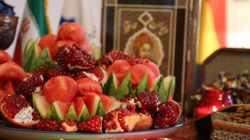توصیههای تغدیهای طب سنتی و مدرن در شب یلدا