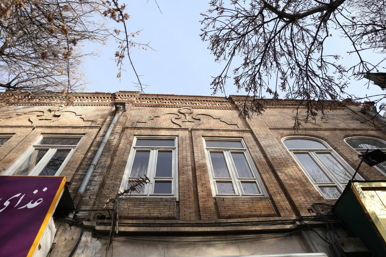 گلبوتههای معماری در خزان توسعه مدرن
