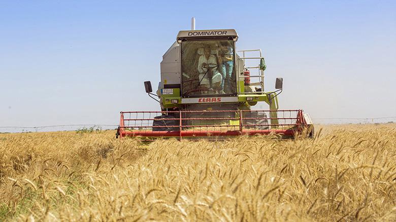 تجلیل از 2 نمونه ملی بخش کشاورزی آذربایجان شرقی با حضور وزیر جهاد کشاورزی