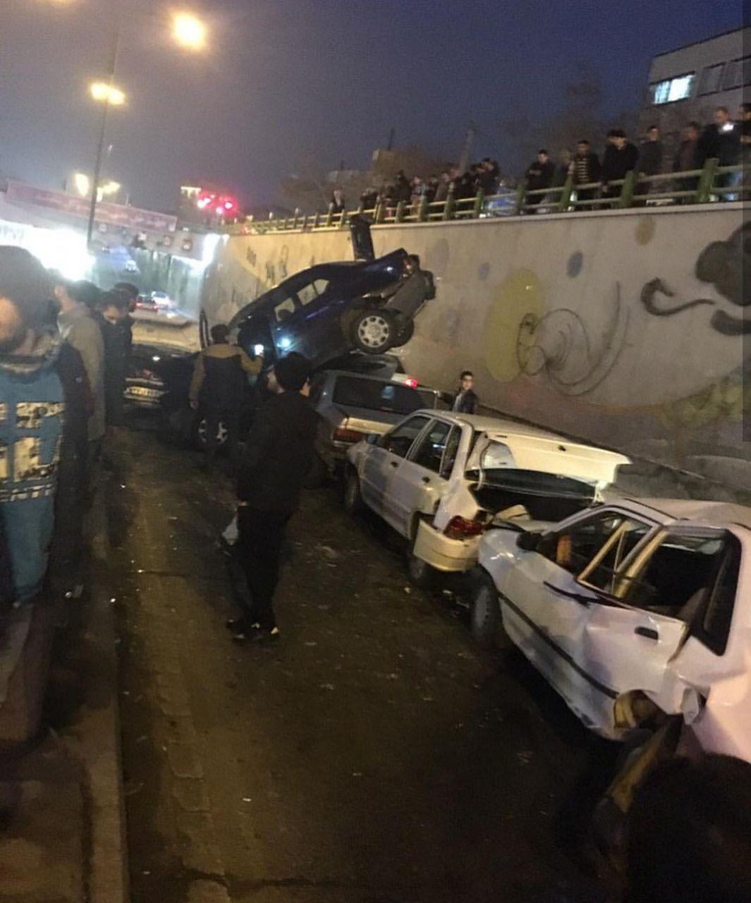 7 مصدوم به دنبال تصادف زنجیرهای در تبریز