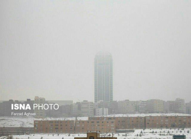 چتر آلودگی بر سر تبریز