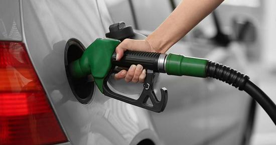 طرح «روزی یک لیتر بنزین» هنوز در کمیسیون انرژی مطرح نشده است