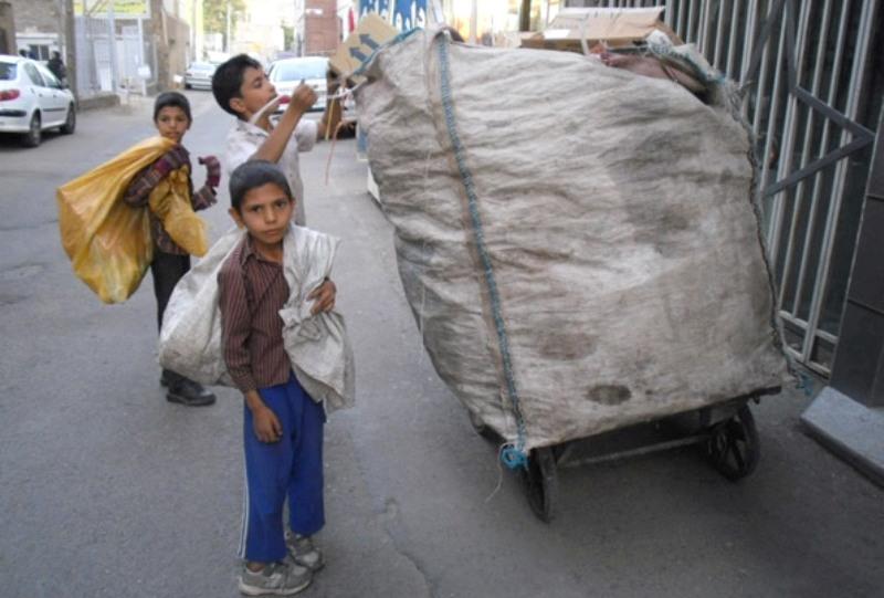 نیمی از کودکان کار غیرایرانی هستند