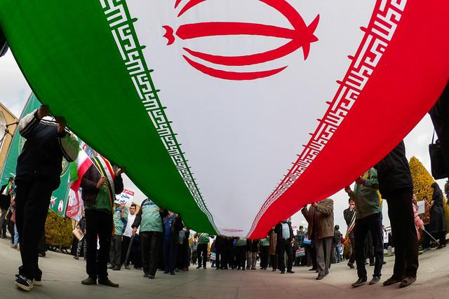 تاکید مراجع تقلید بر حضور پرشور در راهپیمایی ۲۲ بهمن