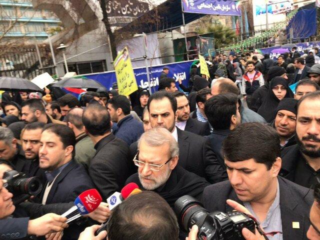 ملت ایران در مصاف با دشمنان یک صدا هستند