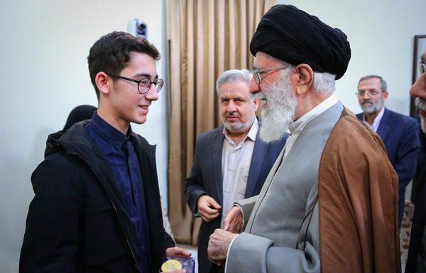 دیدار شطرنجباز ایرانی با حضرت آیت الله خامنه ای