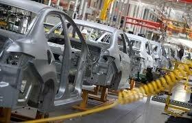 بیثباتی نرخ ارز در کنار تحریمها و دلالان عامل افزایش قیمت خودرو