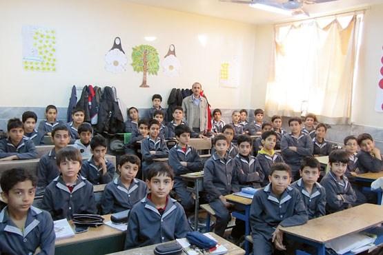 انتقاد معاون استاندار آذربایجان شرقی از کلاسهای 40 نفری در شهر جدید سهند