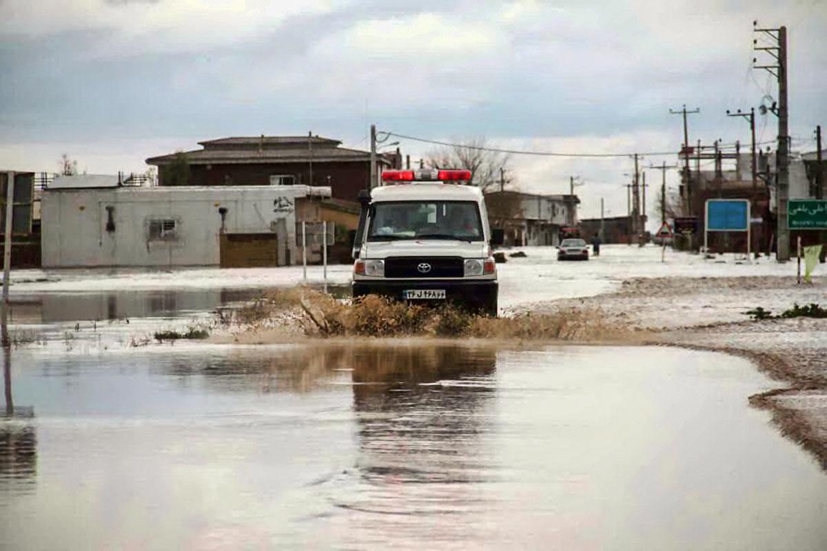 آتش نشانان تبریز به مناطق سیل زده اعزام شدند