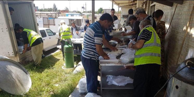 تعداد موکبهای مستقر در مناطق سیلزده به ۱۸۵ رسید/ توزیع ۴۱۴ هزار پرس غذا در روز گذشته