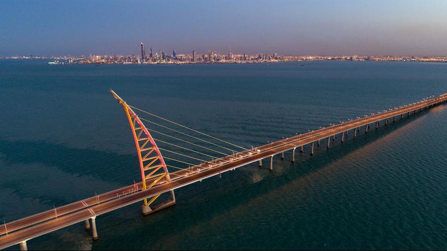 کویت 36 کیلومتر پل روی خلیج فارس زد (+عکس)