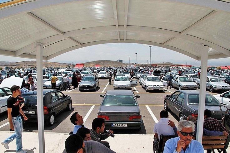 قیمت خودرو در بازار نزولی شد