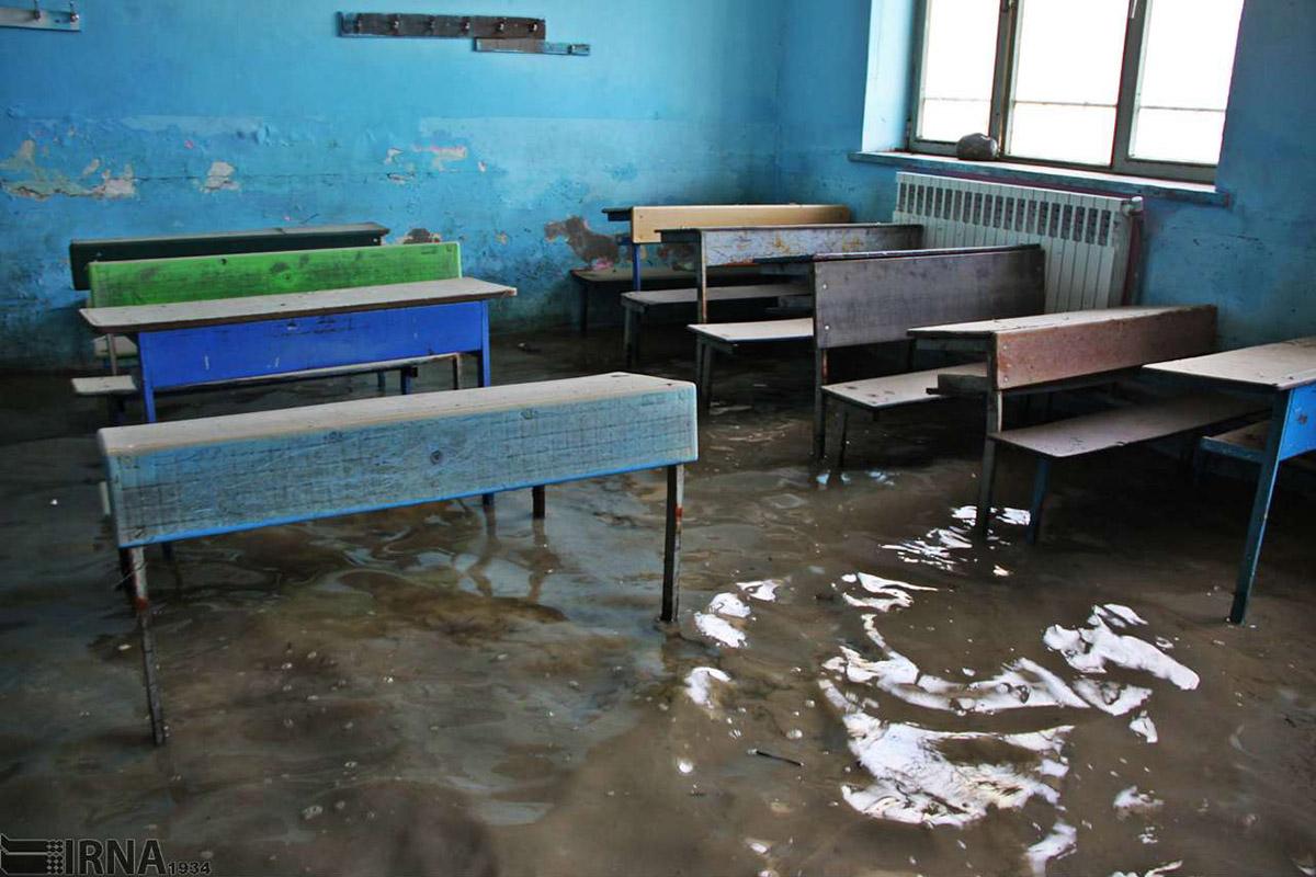 تعمیر مدارس سیل زده تا مهر امسال تمام می شود