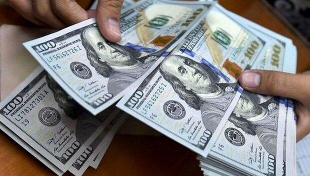 کاهش قیمت دلار در صرافیهای بانکی