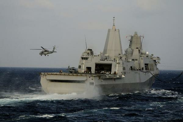 آمریکا رزمناو «آرلینگتون» را به خلیج فارس فرستاد