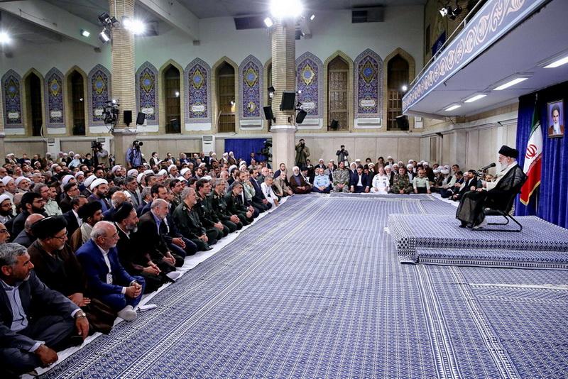 رهبر انقلاب اسلامی: اقتدار و آبروی کشور در خودکفایی است