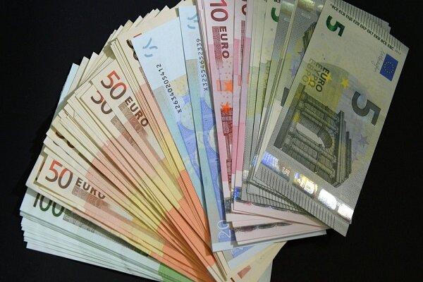 نرخ ۲۰ ارز رسمی کاهش یافت/ دلار ثابت ماند