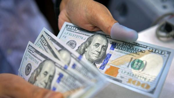 دلار همچنان در مدار کاهشی