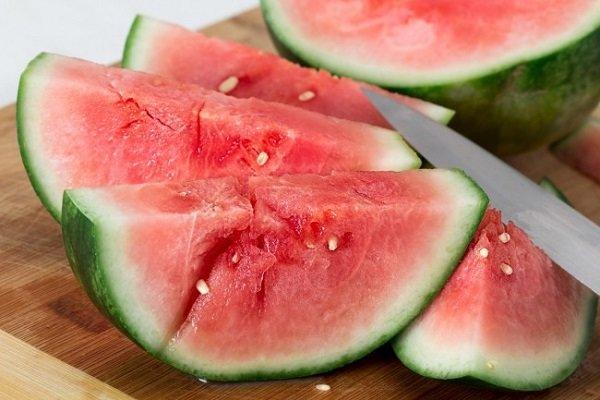 خوردن ۱۰ نوع میوه ای که در تابستان توصیه می شود
