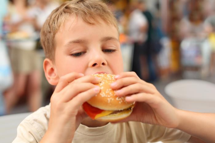 فست فود و آسیب های چاقی برای کودکان