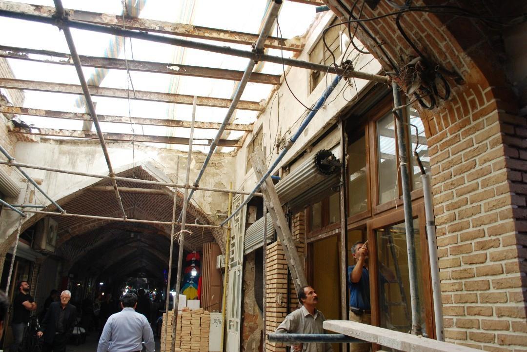 طاقهای ورودی راسته آینه سازان (آیناچیلار) بازار تاریخی تبریز مرمت و بازسازی میشوند