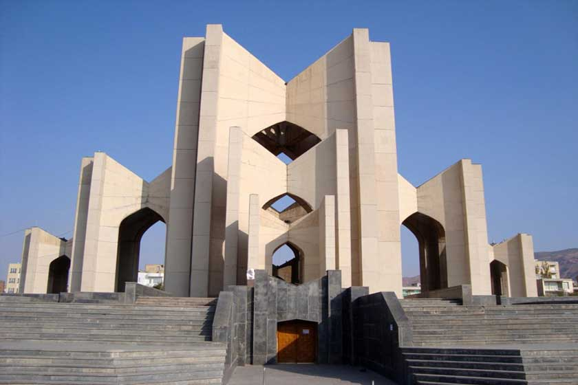 دبیری: بخشی از پروژه مقبره الشعرا تا پایان سال افتتاح میشود