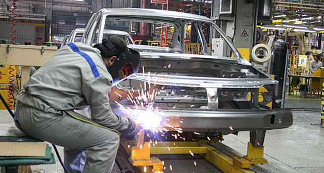 یک فعال بازار خودرو:  قیمت خودرو از زمان دلار ۲۰ هزار تومانی گرانتر شده است