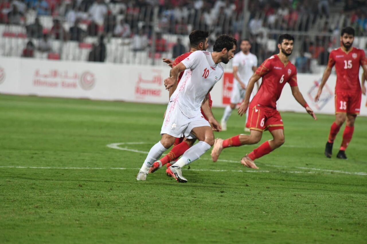 مقدماتی جام جهانی فوتبال؛ ورود فیفا به ماجرای حرکت توهینآمیز بحرینیها