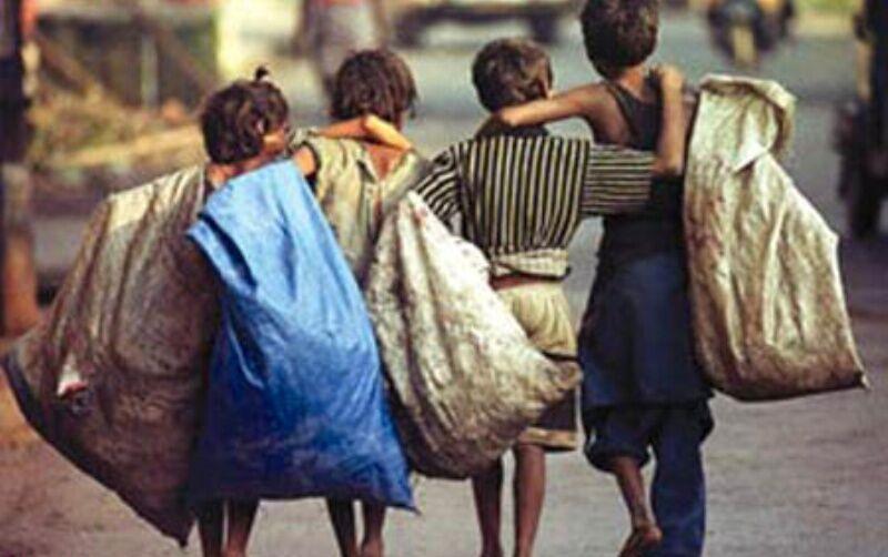 خطر کارِ کودک؛ از کارگاههای زیرزمینی تا خرده فروشی مواد مخدر