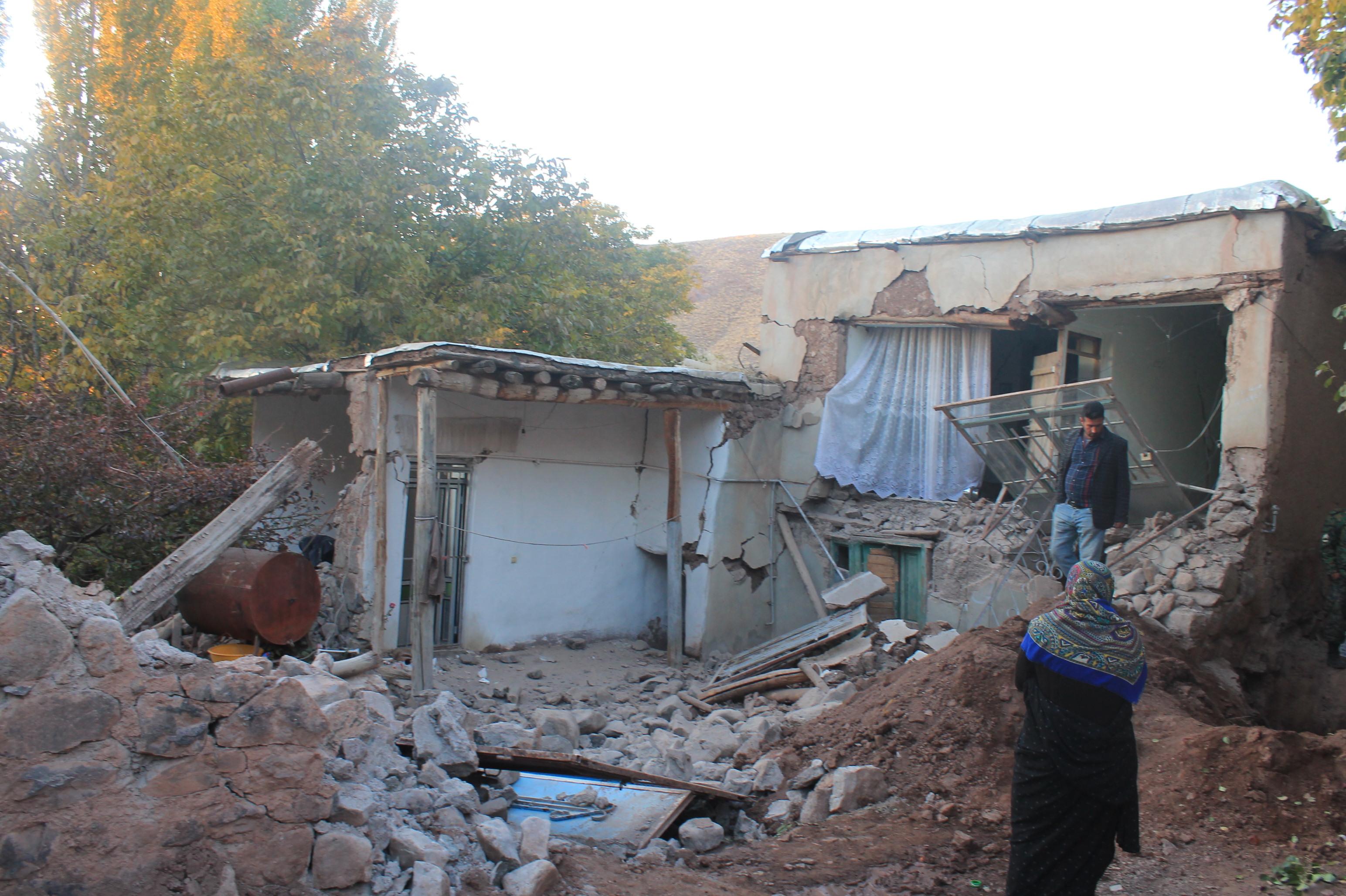 آغاز احداث جایگاه و محل نگهداری موقت برای دامهای زلزله زدگان
