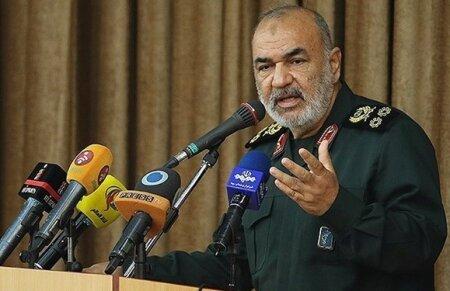 سرلشکر سلامی: ناوهای دشمن در هیچ نقطهای امنیت ندارند