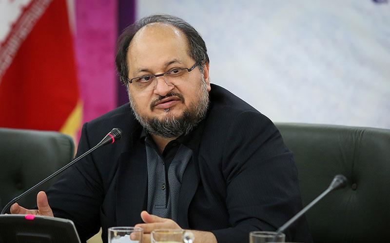 محمد شریعتمداری: مدیران در تاریکخانهها به فساد کشیده میشوند