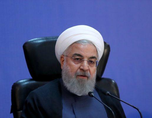 بررسی روند بازسازی مناطق زلزله زده در سفر روحانی به تبریز