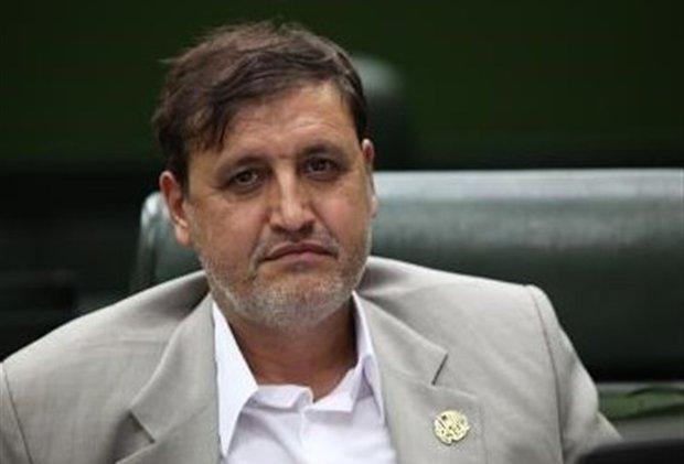 ابطحی: دولت برنامهای برای رونق تولید ندارد