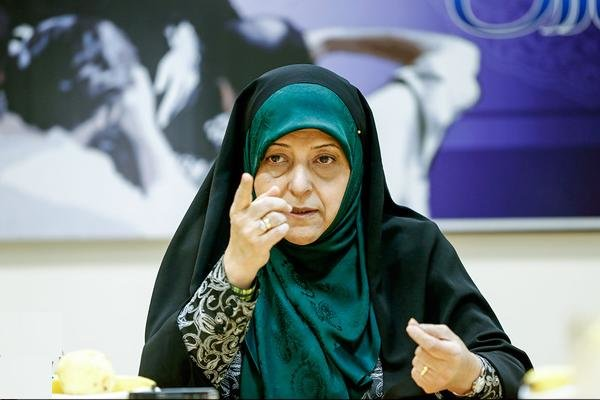 ابتکار: زنان وارد میدان انتخابات شوند