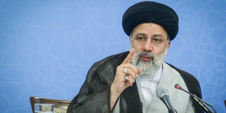 رئیس قوه قضائیه در اصفهان: رفراندوم پیشکش؛ مردم را در جریان امور قرار دهید
