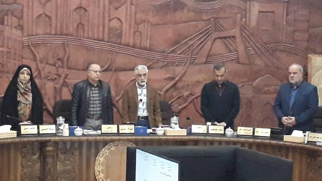 اسوتچی به عنوان عضو جدید شورا، سوگند خورد