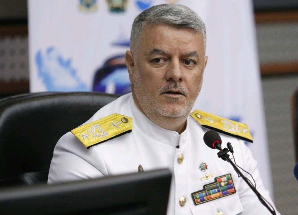 امیر دریادار خانزادی:  یک فروند شناور ویژه سال آینده به نیروی دریایی الحاق میشود