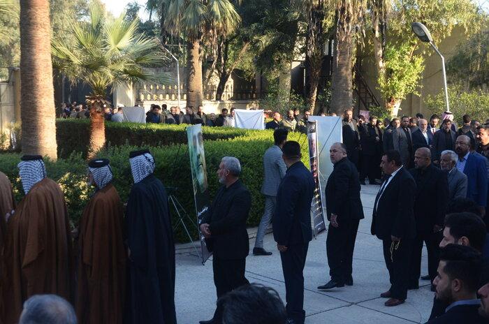 فریاد نفرت از آمریکا در سفارتخانه ایران در بغداد طنین انداز شد