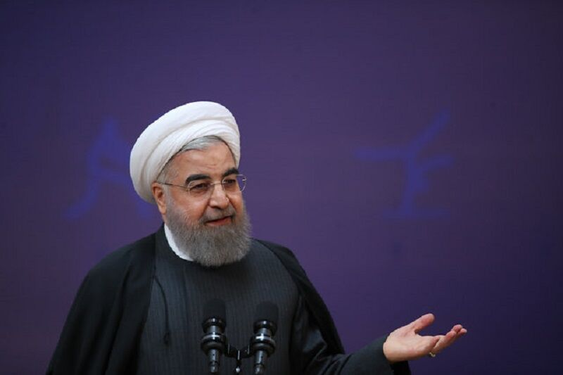 روحانی: مردم باید از ارزانترین و کوتاه ترین مسیر، خدمات الکترونیکی را دریافت کنند