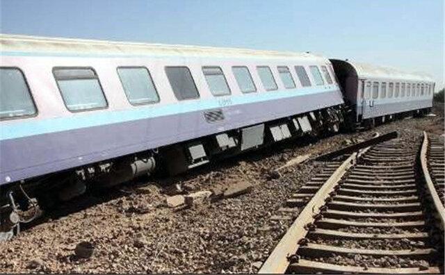 قطار بندرعباس -تهران از ریل خارج شد