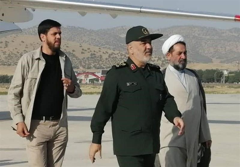 فرمانده کل سپاه از روستاهای سیلزده جاسک بازدید کرد