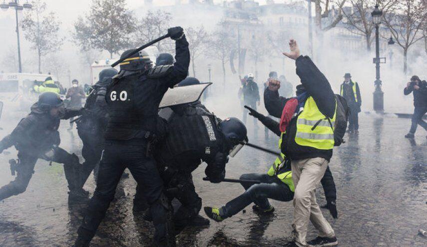 ایران خواستار خودداری پلیس فرانسه از خشونت شد