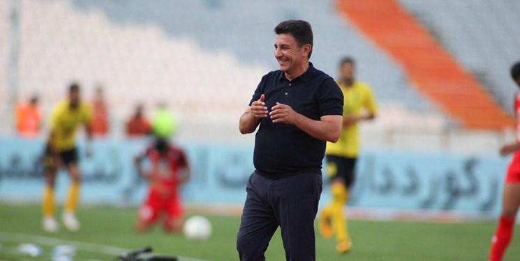 امیر قلعه نویی به عنوان سرمربی جدید تیم ملی فوتبال ایران انتخاب شود