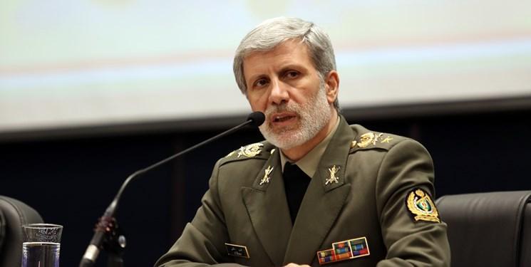 وزیر دفاع: حق ملت ایران را با قدرت از دشمنان میگیریم