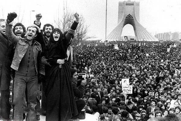 بازخوانی دوازده سرود انقلابی(۴) | بهمن خونین جاویدان سرودی از شیراز