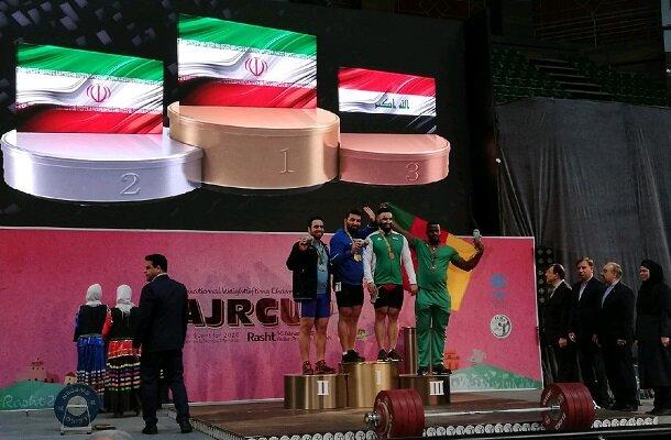 در آخرین روز؛ تیم ایران قهرمان رقابت های وزنه برداری جام فجر شد